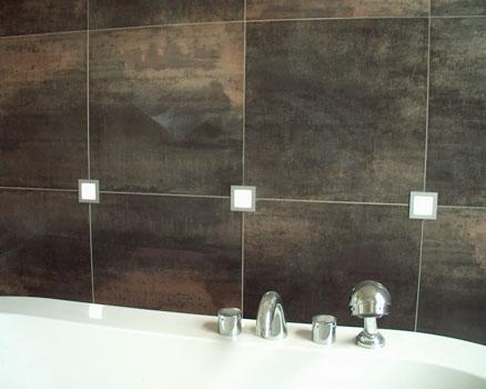 Badkamer spiegel lamp vervangen